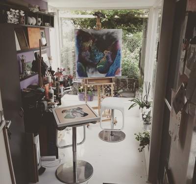 Schilderstentoonstelling in Gent: Ateljee Antonius toont zijn kleurrijke werk in Flandria Hotel